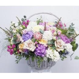 Корзина с цветами #229