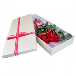 Розы в коробке #004