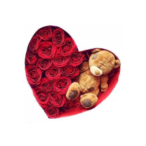 Плюшевый медведь с розами в коробке-сердце - фото